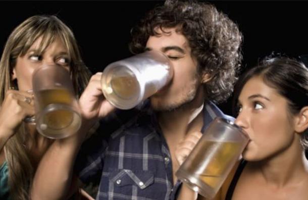 Crearon un fármaco que simula el efecto del alcohol y no genera daños a la salud