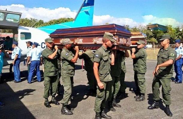 Repatrían cuerpos encontrados este lunes, mientras continúa búsqueda de Leyner Contreras