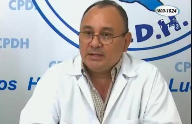 Médicos despedidos por dar asistencia durante las protestas desmienten a la ministra de salud