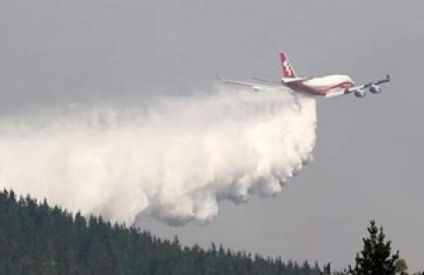 Evo Morales anuncia la contratación de un avión súper tanque para combatir incendios
