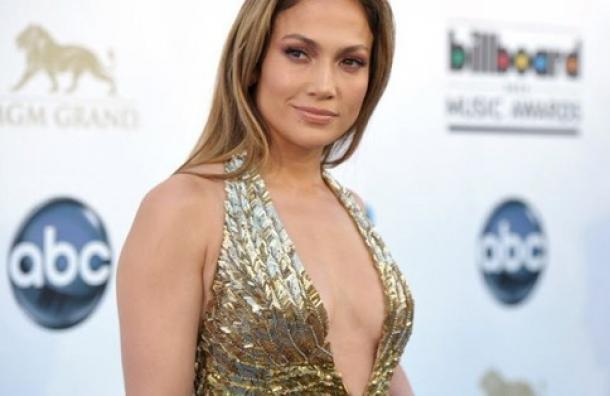 """Jennifer López dice que los hombres """"son inútiles"""" antes de los 33 años"""