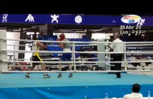 Se realizó una cartelera de boxeo en el polideportivo Alexis Argüello