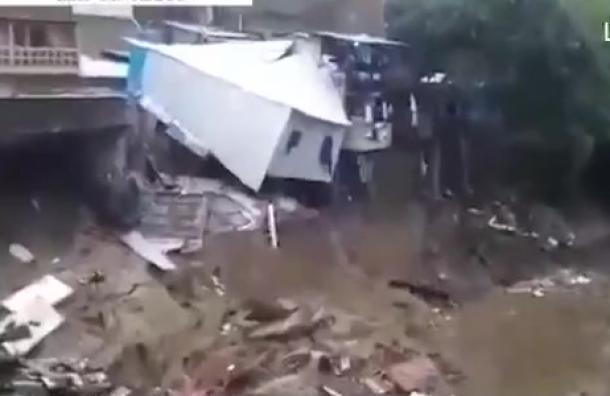 La Tormenta Amanda deja caos y devastación a su paso por el Salvador