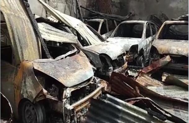 Ocho vehículos y tres motocicletas completamente quemados deja voraz incendio en Bluefieds