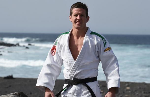 Medallista de judo es arrestado tras perder una pelea con un recepcionista de hotel