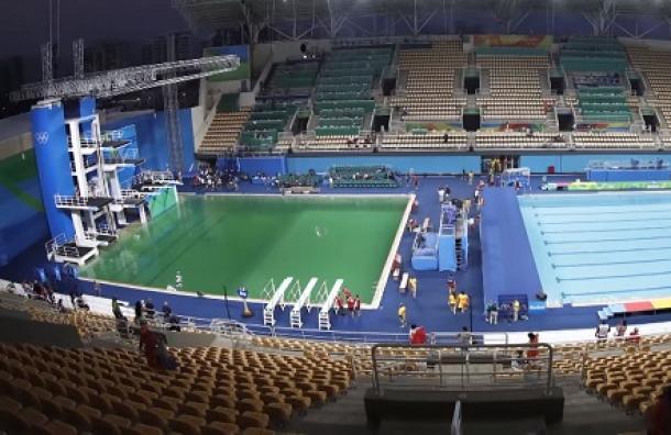 Por este motivo se tiñó de verde el agua en la piscina de clavados de Río 2016